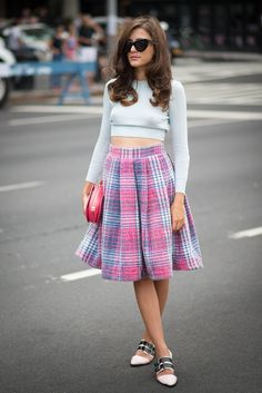 Pin for Later: All the Best Street Style From New York Fashion Week NYFW Street Style Day 3 Eleonora Carisi managed to make the crop top look downright sweet with a full plaid skirt. Nyfw Street Style, Spring Street Style, Cool Street Fashion, Street Style Looks, Looks Style, New York Fashion, Milan Fashion Weeks, Star Fashion, Fashion Outfits