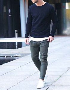 Awesome 58 Stylish and Casual Mens Outfits Ideas You Should Wear in Fall Season. More at http://aksahinjewelry.com/2017/08/31/58-stylish-casual-mens-outfits-ideas-wear-fall-season/