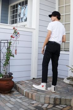streetwear: search results - inspo Streetwear Mode, Streetwear Fashion, High Top Converse Outfits, Cdg Converse, Comme Des Garcons, Street Wear, Babe Hunter, Style Diary, Michelangelo