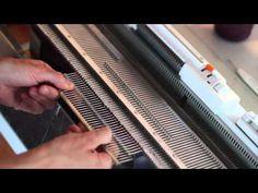 Hvordan strikke en babygenser - How to knit a baby sweater / Norsy/Silver Reed SK280 - YouTube