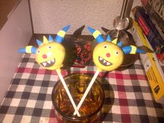 - Henry Hugglemonster.  Made them for my niece's son's 2nd birthday.  Before she asked me to make them, I didn't even know who Henry Hugglemonster was.