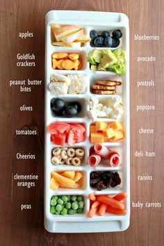 Toddler tasting trays w/ chart of food ideas to put in them. This is seriously my favorite way to feed my little ones lunch! 2 baby food recipes homemade My favorite toddler lunch solution Healthy Toddler Meals, Kids Meals, Toddler Food, Baby Meals, Kids Meal Ideas, Toddler Recipes, Easy Toddler Snacks, Easy Meals For Toddlers, Healthy Snacks For Toddlers