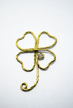 Paper Clip Brass Luky Leaf shaped paper by SouvenirsAtChiangMai Leaf Shapes, Paper Clip, Brass, Symbols, Letters, Unique Jewelry, Handmade Gifts, Etsy, Vintage
