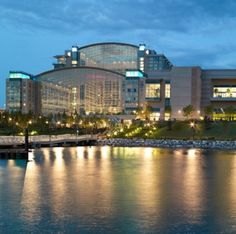 6) Gaylord National Hotel & Convention Center Washington DC: The hotel is just 15 minutes away from our nation's capital—an ideal location for meetings and conventions. With 470,000 square feet of flexible meeting space, Gaylord National is the largest combined hotel and convention center on the East Coast. This luxurious new addition to the Gaylord Hotels family in the Washington D.C. region boasts 2,000 stylish guest rooms, including 110 lavish suites. Atrium and river views are available.