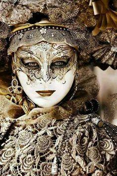 Venician Mask Gold