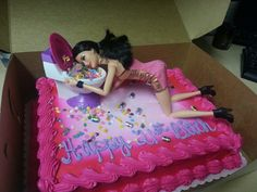 Drunk Barbie cake for my little sisters birthday! oh so much fun! 21st Cake, 21st Birthday Cakes, Barbie Birthday, 19th Birthday, 21 Birthday, Brithday Cake, Drunk Barbie Cake, 21st Bday Ideas, Birthday Ideas