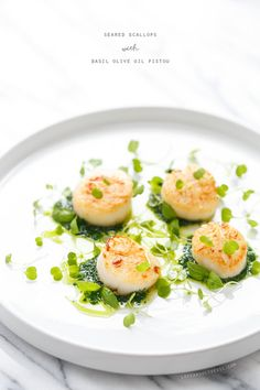 Seared Scallops with Basil Olive Oil Pistou (and a Gourmet Olive Oil Giveaway!) (Love and Olive Oil) Fish Recipes, Seafood Recipes, Gourmet Recipes, Cooking Recipes, Healthy Recipes, Gourmet Foods, Fish Dishes, Seafood Dishes, Scallop Recipes