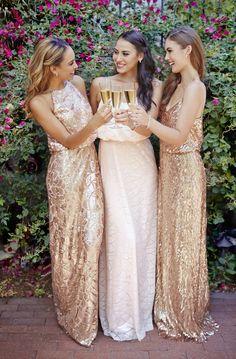 Blush e levantou-se vestidos de lantejoulas de ouro por Donna Morgan