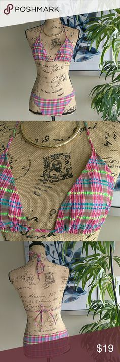 Cute CK Bikini in Plaid Size Medium Calvin Klein Swimwear Cute Plaid Bikini. Size Medium. 2 Piece Bathing Suit. Top tires at neck & back. Pull on bottoms. Matching CK Bikini. Super cute plaid design. In great condition! Absolutely no defects of any kind! Feel free to ask questions. MAKE ME AN OFFER! FREE GIFT with every purchase! Bundle for further discounts. Calvin Klein Swim Bikinis