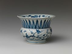 Jars in this shape, which were used to hold slops, are often called leys jars, after the Dutch term for such vessels. This shape is often found in Chinese ceramics after the early sixteenth century; however, the quality of the porcelain used here suggests that it may have been made slightly earlier