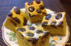 Sütőtökös-csokoládés kocka recept   Tutirecept Waffles, Muffin, Breakfast, Food, Morning Coffee, Essen, Waffle, Muffins, Meals