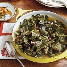 "It's not uncommon for Southerners to ""put on a pot of collards"" at lunchtime and cook them until supper. When shopping for collard greens, buy by the bunch. Avoid bunches with shriveled and yellowed leaves."