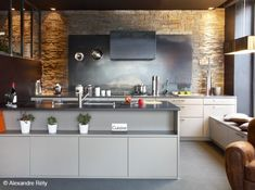 Résultats Google Recherche d'images correspondant à http://cdn-maison-deco.ladmedia.fr/var/deco/storage/images/maisondeco/cuisine/deco-cuisine/comment-personnaliser-la-credence-de-ma-cuisine/cuisine-lave-emaillee/1375650-1-fre-FR/Cuisine-lave-emaillee_w641h478.jpg