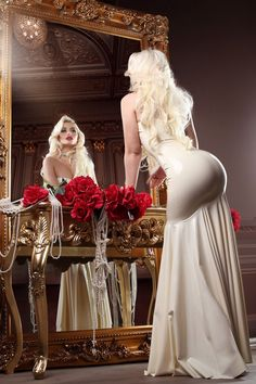 Sexy Dresses, Evening Dresses, Dress Outfits, Fashion Dresses, Pin Up Girls, Chica Fantasy, Bridesmaid Dresses, Wedding Dresses