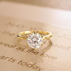 The gold standard. My dream ring. Gold Engagement Rings, Wedding Engagement, Wedding Bands, Pretty Rings, Beautiful Rings, Do It Yourself Fashion, Ring Verlobung, Diamond Are A Girls Best Friend, Art Nouveau