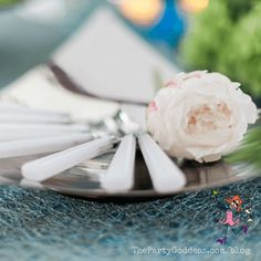 Simple ways to add fresh flowers to your party! Pin now, view later! | The Party Goddess! #flowers #eventplanning #eventplanner #partyplanning
