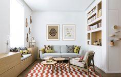 Quadros com frases podem ser uma boa alternativa para a sala de estar. https://www.onthewall.com.br/something-good-every-day-4  https://www.onthewall.com.br/enjoy-the-little-things-3 #quadro #canvas #moldura #poster #decoração