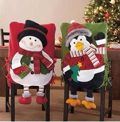 Christmas decoration to your chair at holiday season Christmas Yard Art, Easy Christmas Decorations, Christmas Tablescapes, Christmas Sewing, Xmas Ornaments, Felt Christmas, Simple Christmas, Handmade Christmas, Christmas Time