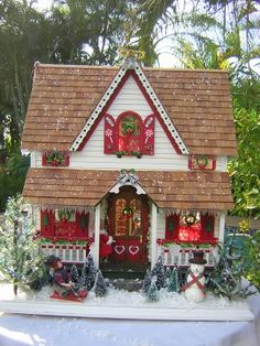 Dollhouses by Robin Carey: A Glimpse Inside the Santa Cottage