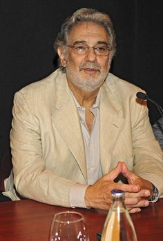 """Placido Domingo Photos - Tenor Placido Domingo sits down at the Royal Theatre of Madrid to present the opera """"Simon Boccanegra"""". - Placido Domingo Presents """"Simon Boccanegra"""" Placido Domingo, Madrid, Opera Singers, Composers, Classical Music, Pinup, Musicians, Peeps, Presents"""