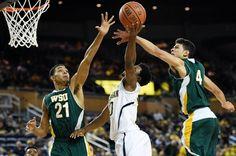 Derrick Walton Jr.'s injury scare deemed a cramp after Michigan's exhibition win | MLive.com