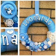 GHIRLANDABEBE' IN BOTTONI - fuoriporta nascita  Lo trovi su bebuu.it #nascita #boy #fiocchinascita #handmade #craft #azzurro #fattoamano