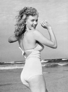 1949 - Divine Marilyn Monroe