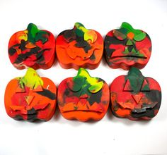 6 Halloween Crayons - jack-o-lantern crayons, trick-or-treat, mixed colors, swirl, pumpkin, party favor