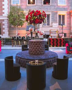Featuring our Top Hat Black Tufted Booth and Ibiza Coffee Table at this lounge design at Warner Brothers Studios. Lounge Design, Outdoor Furniture Sets, Outdoor Decor, Photography And Videography, Plan Design, Ibiza, Wedding Venues, Floral Design, Entertaining