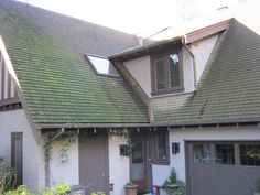 Moss Removal Vancouver offers Vancouver pressure washing and power washing to give you shimmering new like surroundings. Vancouver power washing not only removes dirt from the roofs but also every stain from it.http://www.slideshare.net/mossremoval123/vancouver-pressure-washing-removes-dirt-effectively