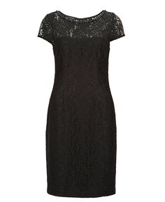 Never be overdressed with a little black #Escada dress  #ParndorfMustHave