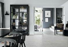 El negro, protagonista elegante de una casa