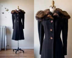 What a lovely coat! So classically elegant!