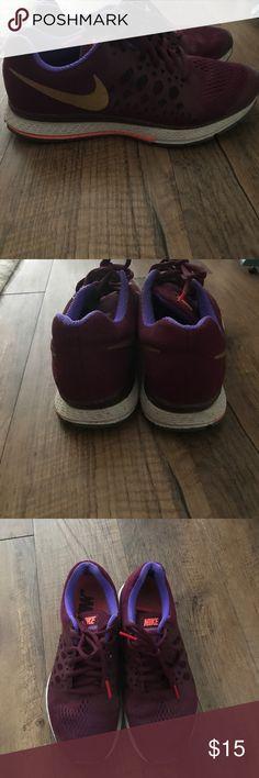 Nike Zoom Pegasus maroon sneakers Still in good shape! Nike Shoes Sneakers