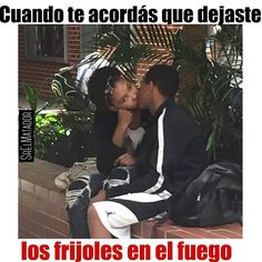 En lo mejor de amontonarse cuando de repente te acordás. . . #MiércolesGabán #Beso #Novia #Novio #Novios #amo #AmorEs #escuela #universidad #SrElMatador #ElSalvador #SV #SrElMatador http://www.srelmatador.com #Foto