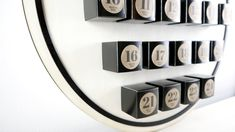 auf Holz, befüllbare Karton Boxen, individualisierbar mit Lasercut Flip Clock, Shop, Decor, Old Wood, Boxing, Advent Calenders, Paper Board, Gifts, Dekoration