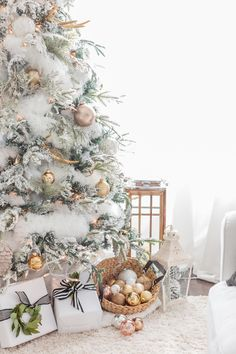 Белоснежный новогодний декор с золотыми акцентами   Пуфик - блог о дизайне интерьера