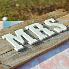Simple Word Art {DIY} mr. and mrs. Signs