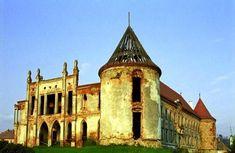 atractii turistice CASTELUL  BANFFY de la BONTIDA CLUJ Versailles, Notre Dame, Mansions, House Styles, Building, Travel, Hungary, Viajes, Manor Houses