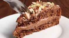 Chocolate cream pie 😍 discovered by InnerGoddess Like Chocolate, Chocolate Cream, Chocolate Desserts, Chocolates, No Bake Granola Bars, Greek Sweets, Carob Chips, Toasted Almonds, Cream Pie
