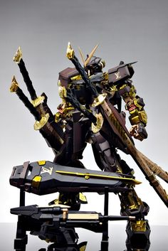 GUNDAM GUY: PG 1/60 Gundam Astray LV [Louis Vuitton Ver.] - Painted Build [Updated 6/11/12]