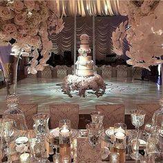 Suspended Wedding Cake!   Hmmm?