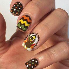 Polka Dot & Chevron Thanksgiving Nail Art