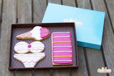 """""""Toalla, bikini y helado"""" Diseño propio que encontrarás en: http://www.galletea.com/galletas-decoradas/"""
