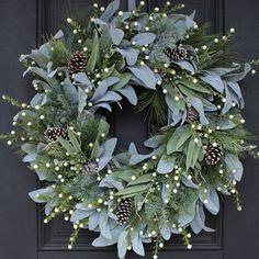 Christmas Door Wreaths, Holiday Wreaths, Rustic Christmas, Winter Christmas, Christmas Crafts, Holiday Decor, Merry Christmas, Winter Wreaths, Front Door Christmas Decorations