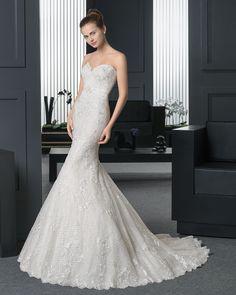 cfdc43b910e7 52 fantastiche immagini su abiti da sposa