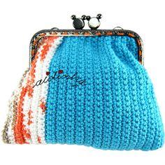 Bolsa, em crochet, quadrangular, azul turquesa e mesclado