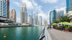 Marina Walk, Dubaï. http://www.lonelyplanet.fr/article/dubai-comme-un-habitant #Marinawalk #Dubaï #voyage