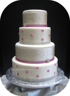 Another beautiful cake by one of my favorite cake artists, Grace Tari.