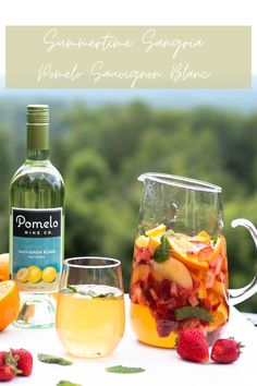 Liquor Drinks, Wine Cocktails, Alcoholic Drinks, Alcohol Drink Recipes, Sangria Recipes, Summer Sangria, Summer Fruit, Delicious Deserts, Yummy Food